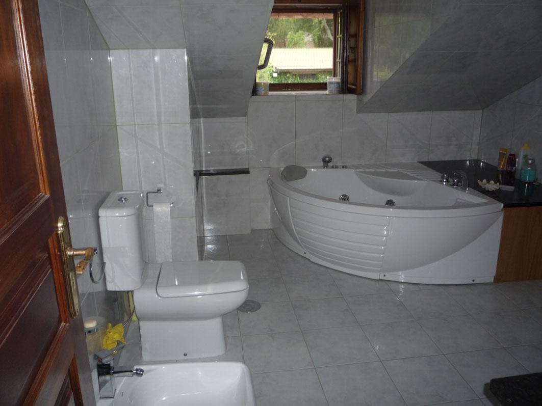 Appartement l tage sup rieur salle de bain avec for Pack salle de bain