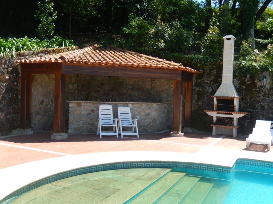 La piscine casa do alto for Cuisine exterieure piscine