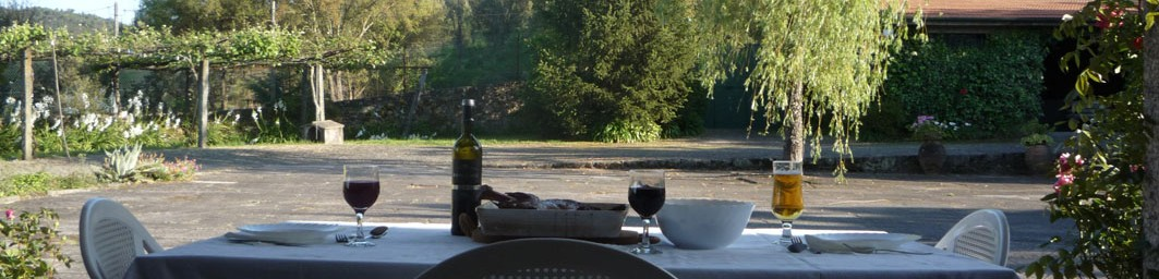 Casa do Alto - Cabecalho - Refeicoes ao ar livre